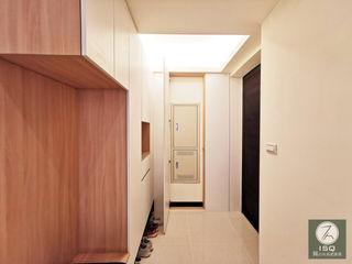 新北市永和區 ISQ 質の木系統家具 斯堪的納維亞風格的走廊,走廊和樓梯