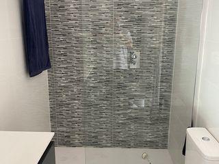 Refovert S.L. Moderne Badezimmer Fliesen Weiß