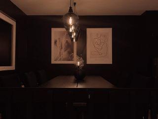 Stylish Open plan living room, London STAAC Moderne Esszimmer Holz Schwarz