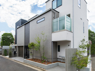 TERAJIMA ARCHITECTS/テラジマアーキテクツ Casas modernas Branco