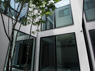TERAJIMA ARCHITECTS/テラジマアーキテクツ Jardins modernos