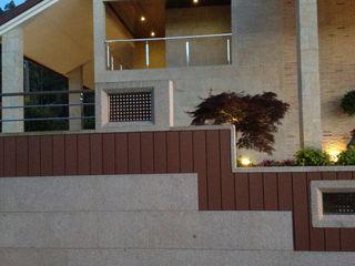 Proyecto de decoración en Vincios-Gondomar ARDEIN SOLUCIONES S.L. Casas de estilo moderno Granito Marrón