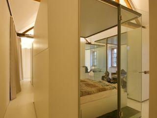 3rdskin architecture gmbh СпальняЛіжка та спинки Білий