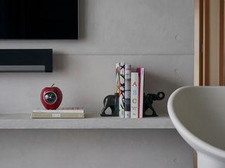Eightytwo Modern Living Room