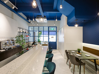 Eightytwo Modern Dining Room