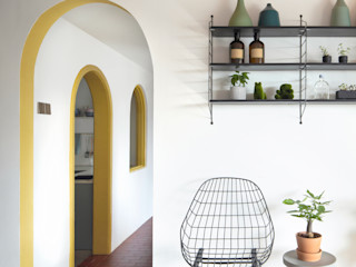 Eightytwo Ingresso, Corridoio & Scale in stile moderno