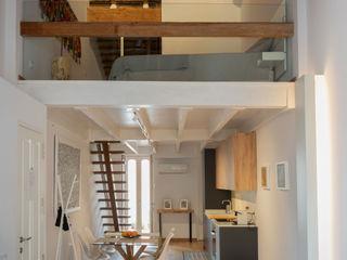 osb arquitectos Ruang Makan Gaya Mediteran White