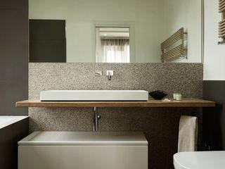 Contrasti - Progettazione e ristrutturazione appartamento 130mq - zona EUR Gruppo Castaldi | Roma Bagno moderno