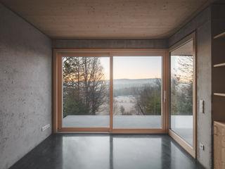 Haus am Hang Jan Rottler Fotografie Moderne Arbeitszimmer