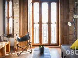 osb arquitectos Ruang Keluarga Gaya Rustic Wood effect