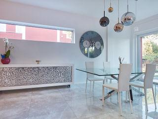 Villa di lusso - Progettazione e ristrutturazione zona Casal Palocco (Roma) Gruppo Castaldi | Roma Soggiorno minimalista Bianco
