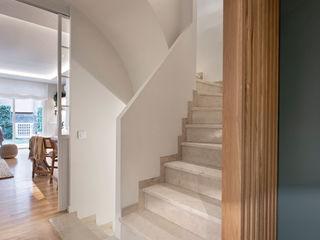 Egue y Seta Corredores, halls e escadas mediterrânicos