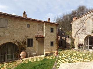 Un colonica in Chianti Studio Architetto Pontello Casa rurale Pietra