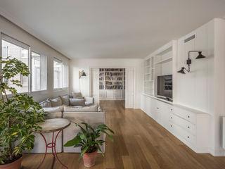 Home in Ciudad Universitaria tambori arquitectes Living room White