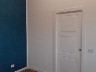 Realizzazione Open Space appartamento in Roma con applicazione decorativo Fili di Seta Giorgio Graesan Ma.Ni. Ristrutturazioni Camera da letto moderna Blu