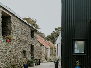 Contemporary Barn House, Derry / Londonderry Marshall McCann Architects