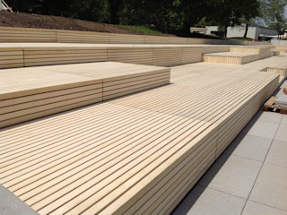 Eden B.V. Balkon, Beranda & Teras Modern Kayu Wood effect