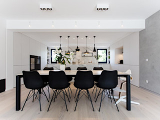 Haus ESP BPLUSARCHITEKTUR Moderne Esszimmer