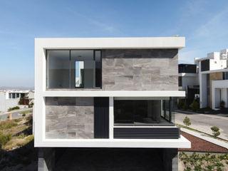 GRUPO VOLTA Casas unifamiliares Aluminio/Cinc Gris