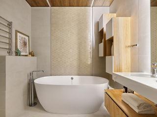 Реализованный проект в ЖК Черняховского. IvE-Interior Ванная в средиземноморском стиле Белый
