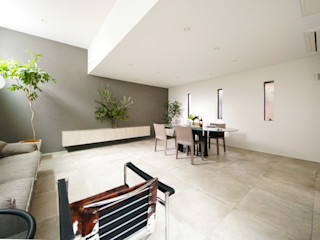 TERAJIMA ARCHITECTS/テラジマアーキテクツ Salas de estar modernas Azulejo Bege