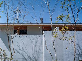 藤原・室 建築設計事務所 Einfamilienhaus Beton Grau