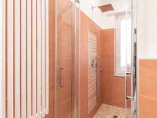 Facile Ristrutturare 現代浴室設計點子、靈感&圖片