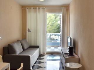 Home Staging de vivienda en Playa de Moncofar Studeco World SL Salones de estilo mediterráneo