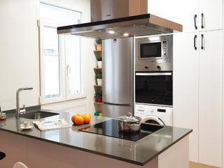 Cocina de alquiler ZERMATT DECORACION S.L Cocinas pequeñas Aglomerado Gris