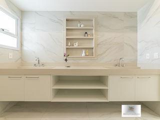 MoronCavallete - soluções em arquitetura Ванная комната в стиле минимализм