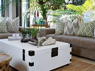 Joseph Avnon Interiors Balcone, Veranda & Terrazza in stile classico