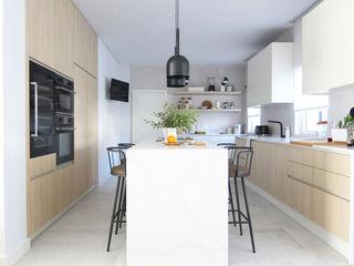 Catarina Batista Studio Modern kitchen