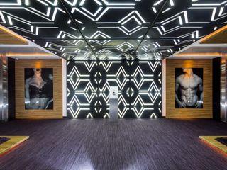 MANUEL TORRES DESIGN Hotels Wood Black