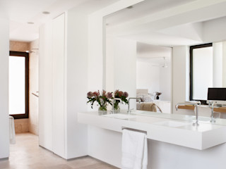 ÁBATON Arquitectura Mediterranean style bathrooms