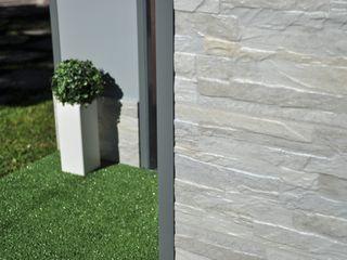 Cucce di design studiate per resistere a morsi, urti e graffi Pet House Design® Giardino anteriore Legno Grigio