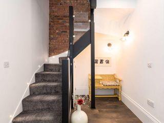 DIY Glass Staircase Balustrade Project in Swindon Origin Architectural Schody Szkło Przeźroczysty