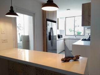 Remodelar Proyectos Integrales Cocinas equipadas Tablero DM Blanco