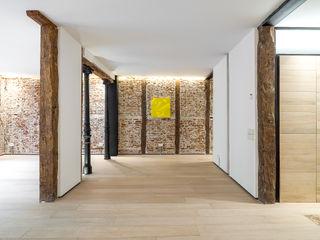 TOCONES DE MADERA GOS ARCH·LAB Comedores de estilo moderno Ladrillos
