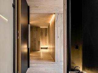 SECUENCIAS GOS ARCH·LAB Pasillos, vestíbulos y escaleras de estilo moderno Metal Negro