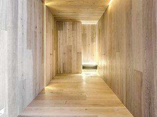 SECUENCIAS GOS ARCH·LAB Pasillos, vestíbulos y escaleras de estilo moderno Madera Acabado en madera