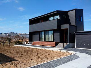 ナイトウタカシ建築設計事務所 Modern Houses Iron/Steel Black