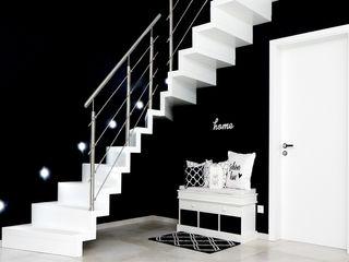 STREGER Massivholztreppen GmbH Stairs Wood White