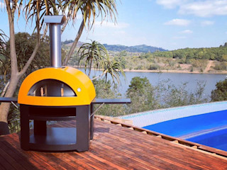 Ambientación del horno en la piscina Alfa Forni Balcones y terrazas de estilo moderno