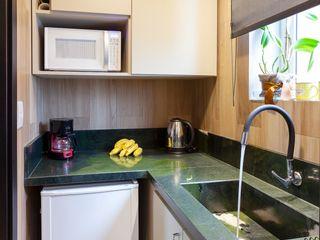 Maciel e Maira Arquitetos Small kitchens