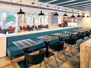 Hotel Catalonia Porto Padimat Design+Technic Parede e pisoRevestimentos de parede e pavimentos Cerâmica Acabamento em madeira