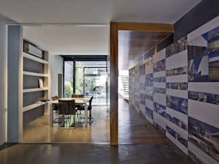 acertus Estudios y despachos modernos Multicolor
