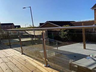 Decking Glass Balustrade Brighton Origin Architectural Podwórko Szkło Przeźroczysty