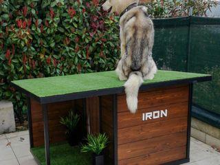 Cucce di design da esterno interamente personalizzate Pet House Design® Giardino anteriore Legno Marrone