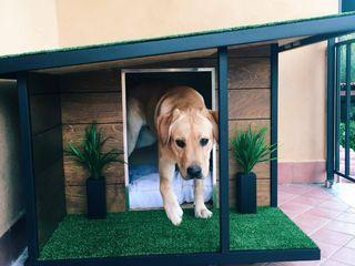 Cucce di design da esterno interamente personalizzate Pet House Design® Giardino roccioso Legno Marrone