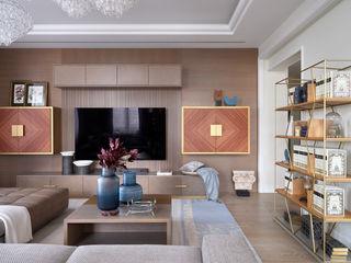 """Квартира в элитном комплексе """"Коперник"""" IvE-Interior Гостиные в эклектичном стиле Белый"""